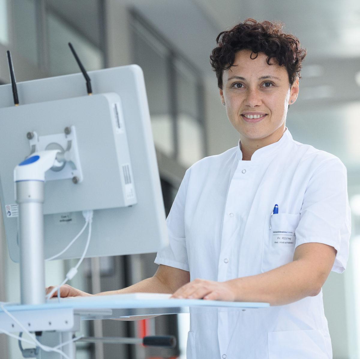 Anna Frey, Stellvertretende Leiterin der internistischen Intensiv- und Notfallmedizin am UKW